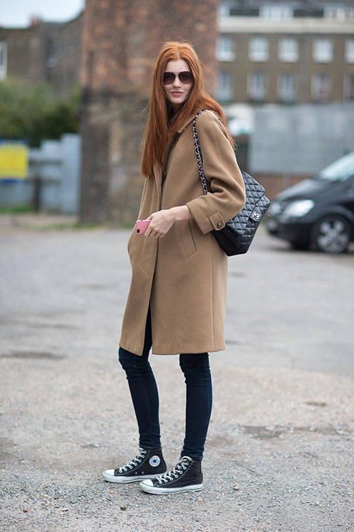 Vizitatoare la London Fashion Week